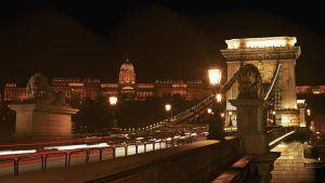 Magyarország fővárosában élek, Budapesten. 19 évvel ezelőtt kezdtem érdeklődni a számítástechnika világáról